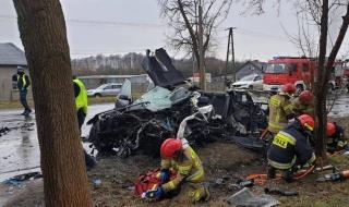 Groźny wypadek na DK91, są ranni. Droga całkowicie zablokowana